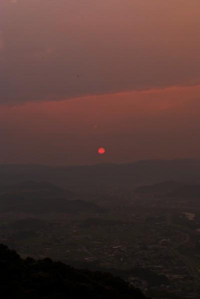 真っ赤な夕日